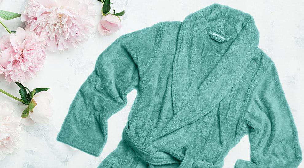 Free Gift: Plush Robe - INVITE ONLY
